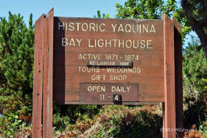Historic Yaquina Bay Lighthouse sign